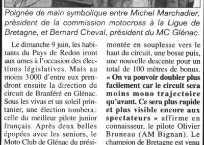 2001 09 15 - Les Infos - Poignée de main Marchadier Bernard.jpeg